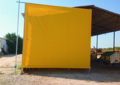 yellow curtain shlomi